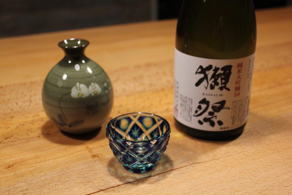 薩摩切子と徳利と獺祭
