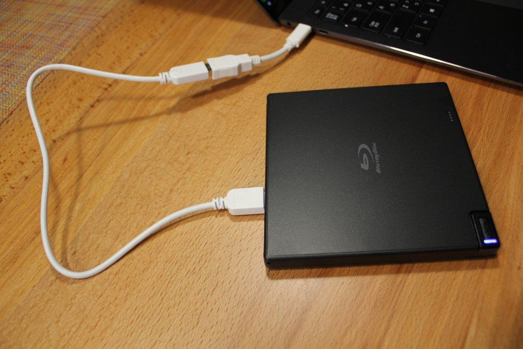 PCにUSB接続したところ