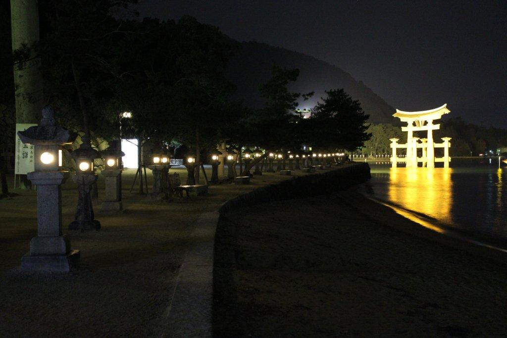 神秘的な厳島神社