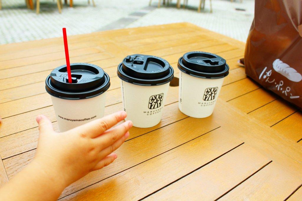 丸山珈琲のコーヒーをテラス席で